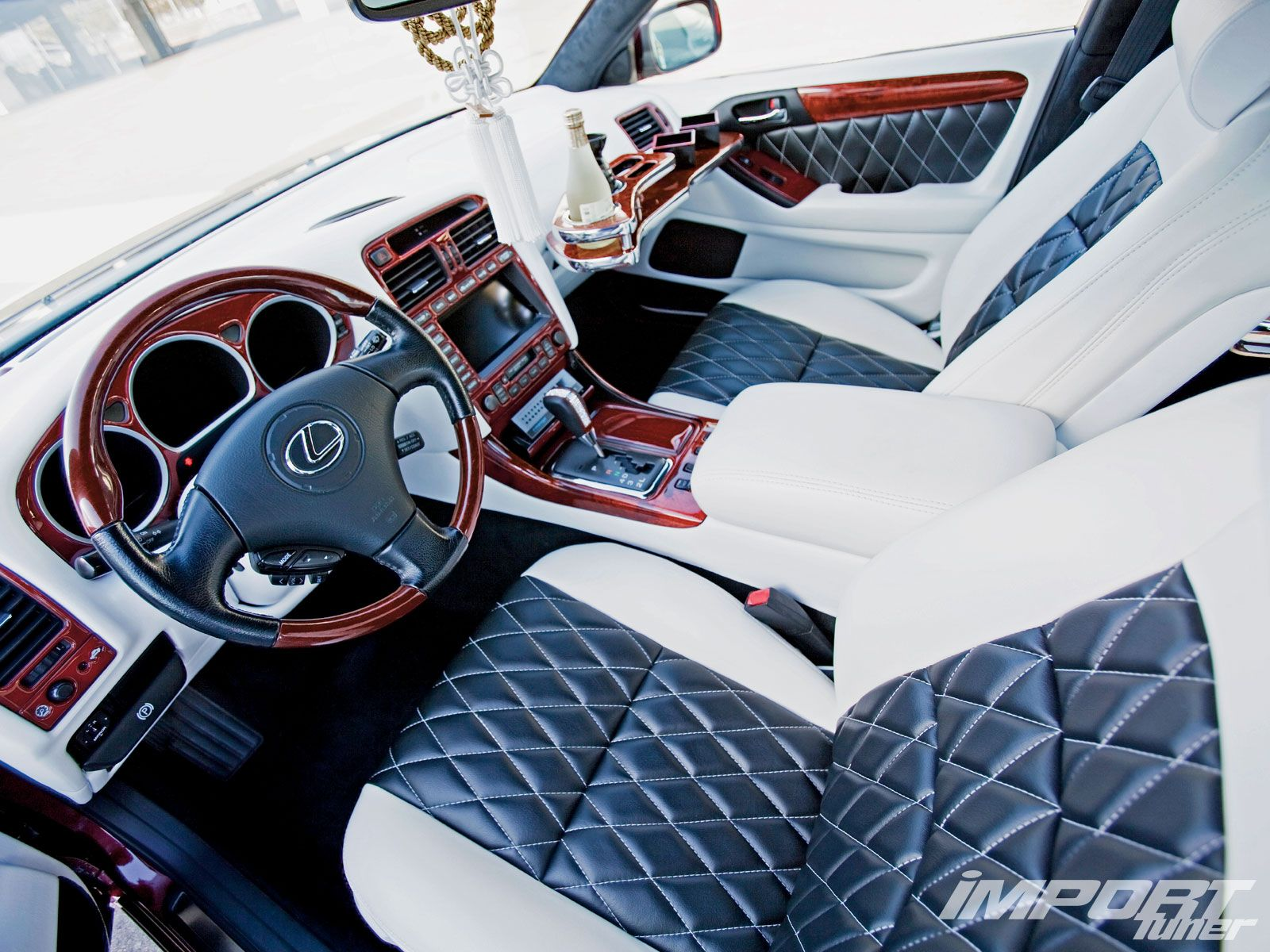 impp_1012_03_o+2001_lexus_gs430+diamond_stitch_seats